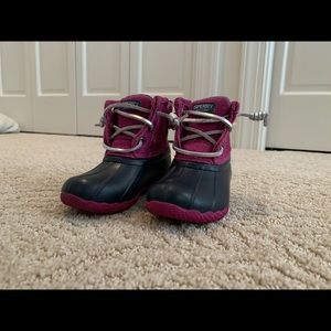 Toddler Sperry Saltwater boots size 6